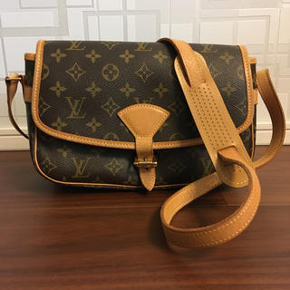 LOUIS VUITTON - ルイヴィトン ソローニュ
