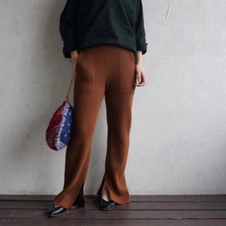 PHEENY - Big waffle slit pants