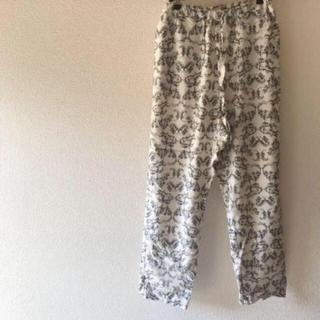 ネストローブ(nest Robe)のmidi-umi ボタニカル柄パンツ(カジュアルパンツ)