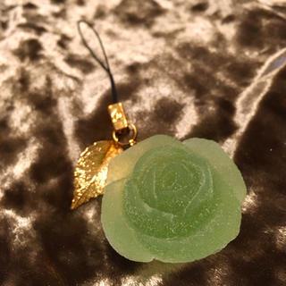 キューポット(Q-pot.)の美品!キューポット パートドゥフリュイ グリーンアップル薔薇チャーム ミルク(チャーム)