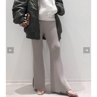 アパルトモンドゥーズィエムクラス(L'Appartement DEUXIEME CLASSE)の新作L'AppartementアパルトモンSlit Knit Pants34(カジュアルパンツ)