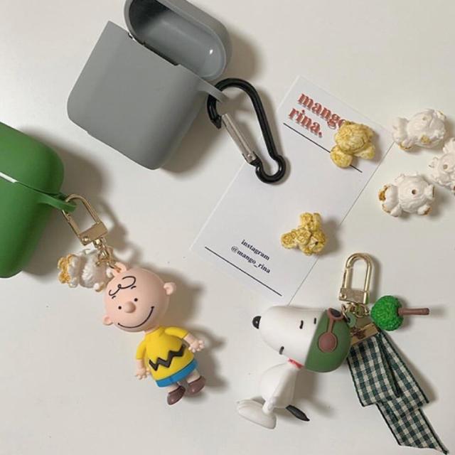 PEANUTS(ピーナッツ)のチャーリーブラウン  キーホルダー スヌーピー     エンタメ/ホビーのおもちゃ/ぬいぐるみ(キャラクターグッズ)の商品写真
