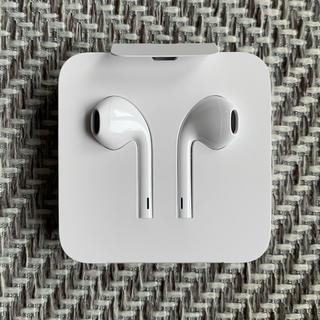 アイフォーン(iPhone)の【未使用】iPhone イヤホン(ヘッドフォン/イヤフォン)