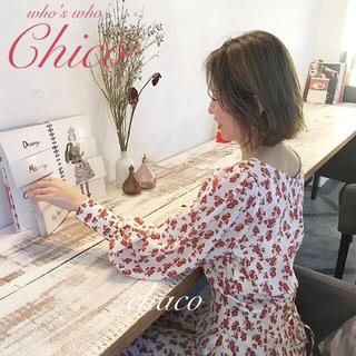 who's who Chico - 僅か⚠️新品タグ🌷¥6372【Chico】バックレースアップ花柄ブラウス