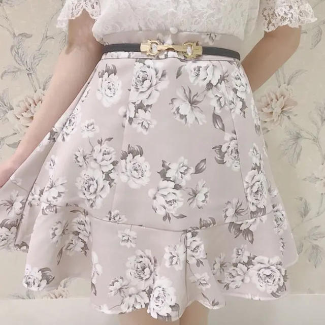 evelyn(エブリン)のevelyn  エブリン 花柄スカートミニスカート 量産型 レディースのスカート(ミニスカート)の商品写真