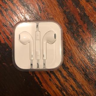 アイフォーン(iPhone)のiPhone イヤフォン 新品(ヘッドフォン/イヤフォン)