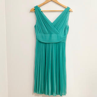 ストロベリーフィールズ(STRAWBERRY-FIELDS)のプリーツドレス  グリーン(ミディアムドレス)
