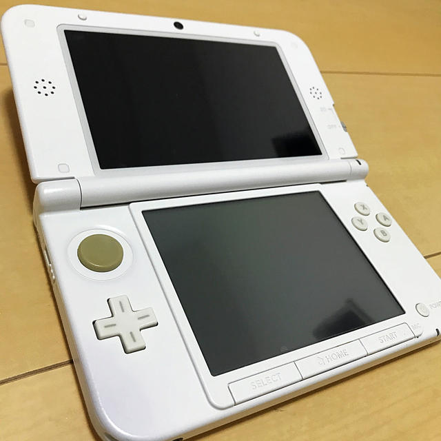ニンテンドー3DS(ニンテンドー3DS)の任天堂 3DS LL 本体 ピンク エンタメ/ホビーのゲームソフト/ゲーム機本体(携帯用ゲーム機本体)の商品写真