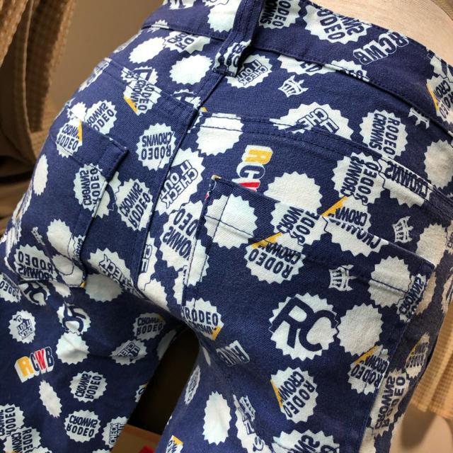 RODEO CROWNS(ロデオクラウンズ)の浜松限定ロデオRODEO春ストレッチ入クラウンロゴ柄青カラースキニーパンツM レディースのパンツ(スキニーパンツ)の商品写真