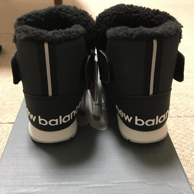 New Balance(ニューバランス)のスノーブーツ キッズ/ベビー/マタニティのキッズ靴/シューズ(15cm~)(ブーツ)の商品写真