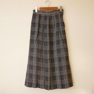 ロペ(ROPE)のROPE 裾プリーツ  マーメイドスカート 白黒チェック(ロングスカート)