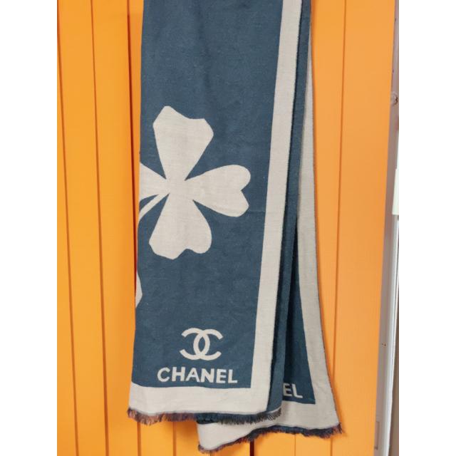 CHANEL(シャネル)のショール レディースのファッション小物(マフラー/ショール)の商品写真