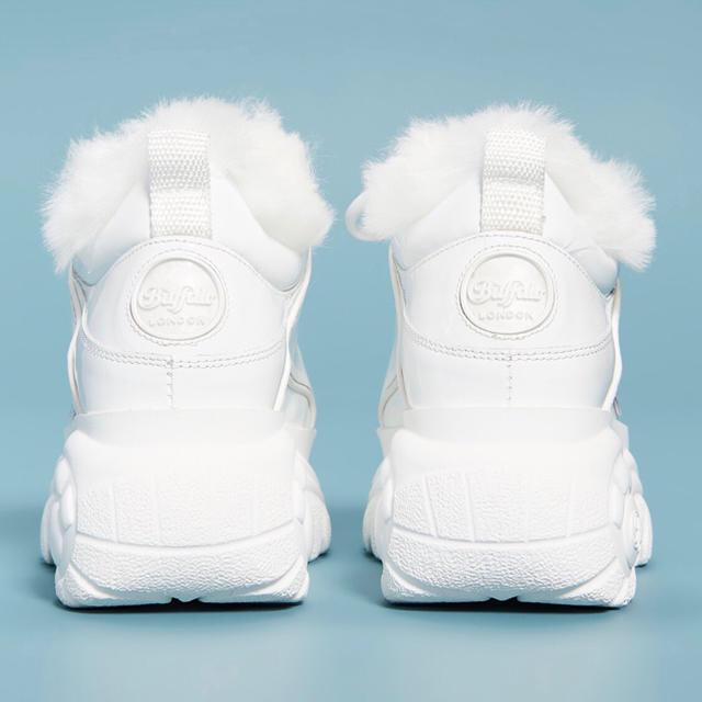 OPENING CEREMONY(オープニングセレモニー)の♡激かわいい♡Buffalo London エナメル ファー 厚底スニーカー レディースの靴/シューズ(スニーカー)の商品写真