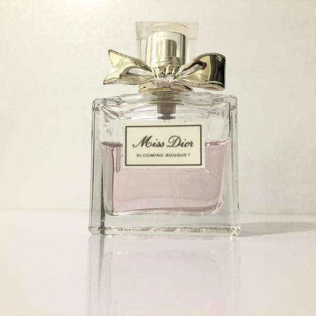 Dior(ディオール)の Dior ミスディオール ブルーミング ブーケ 50ml コスメ/美容の香水(香水(女性用))の商品写真