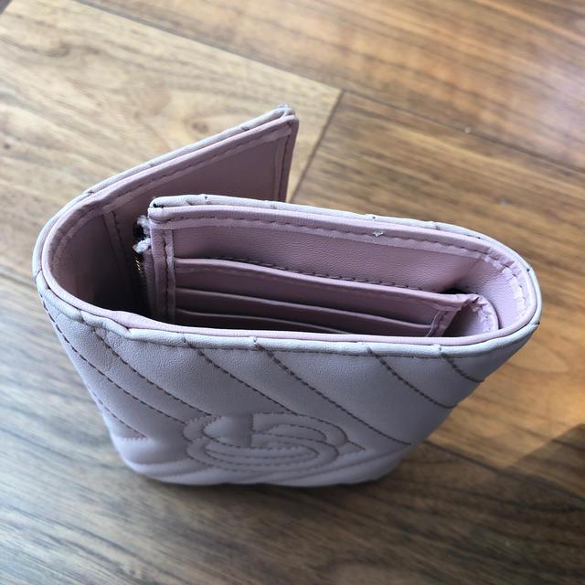 Gucci(グッチ)のグッチ  マーモント  上品 ピンク お財布 レディースのファッション小物(財布)の商品写真