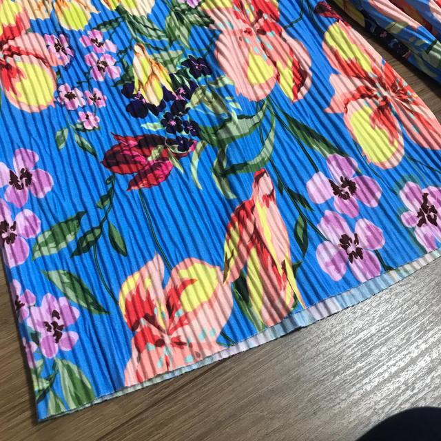 ZARA KIDS(ザラキッズ)のZARA GIRLS 128 サイズ8 花柄フレアパンツ キッズ/ベビー/マタニティのキッズ服女の子用(90cm~)(パンツ/スパッツ)の商品写真