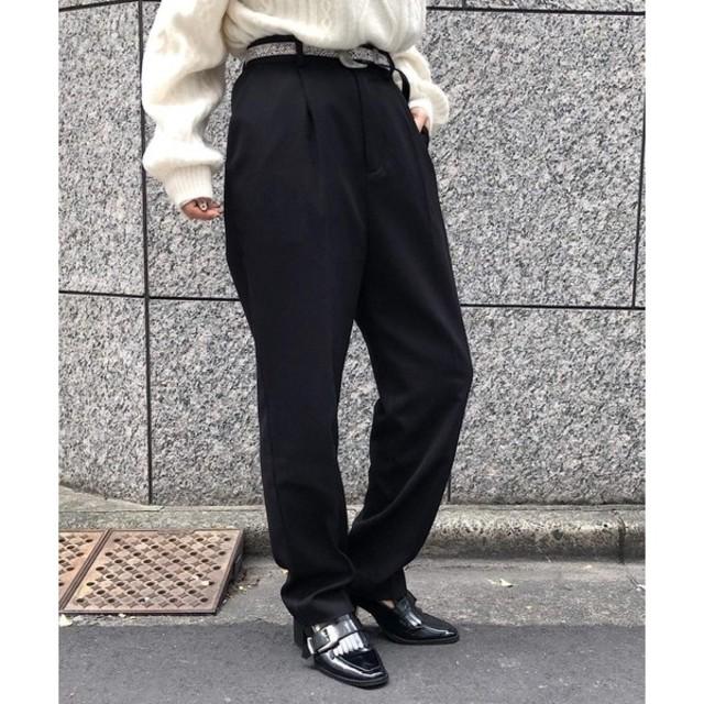 PAGEBOY(ページボーイ)のPAGE BOY 新春限定アイテム タックテーパードパンツ黒 レディースのパンツ(カジュアルパンツ)の商品写真