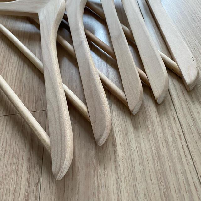 VISVIM(ヴィスヴィム)の木製ハンガー visvim インテリア/住まい/日用品の収納家具(押し入れ収納/ハンガー)の商品写真