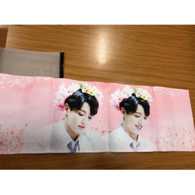 防弾少年団(BTS)(ボウダンショウネンダン)のジョングク スローガン 2枚セット エンタメ/ホビーのタレントグッズ(アイドルグッズ)の商品写真