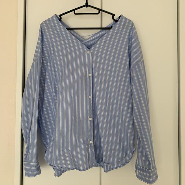 GU(ジーユー)のGU シャツ ストライプ ブルー レディースのトップス(シャツ/ブラウス(長袖/七分))の商品写真