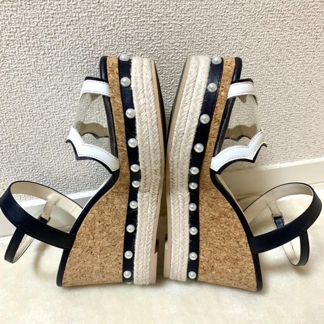 Chesty(チェスティ)のChesty パールサンダル ウェッジソールコルクサンダル レディースの靴/シューズ(サンダル)の商品写真