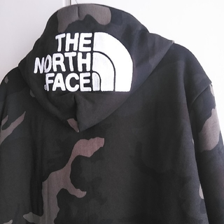 THE NORTH FACE - 新品!THE NORTH FACE ノースフェイス リアビューパーカ カモフラL