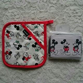 SHIPS - ミッキーマウス折財布と小物敷きのセットA