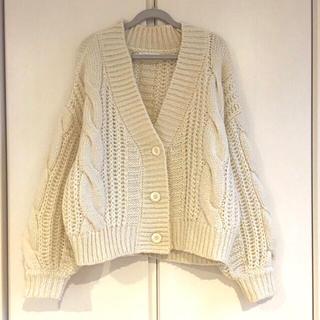 ナチュラルクチュール(natural couture)の袖がかわいい♡ざっくり編みカーデ♡(ニット/セーター)