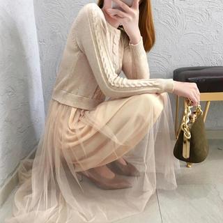 ザラ(ZARA)の新作✴︎ニット フレア ワンピース ベージュ オーガンジースカート(ひざ丈ワンピース)
