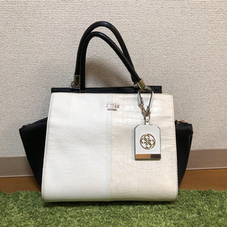 GUESS - トートバッグ【GUESS】