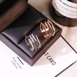 【ラッピング袋付】 指輪 レディース 六角形4連リング フリーサイズ 新品(リング(指輪))