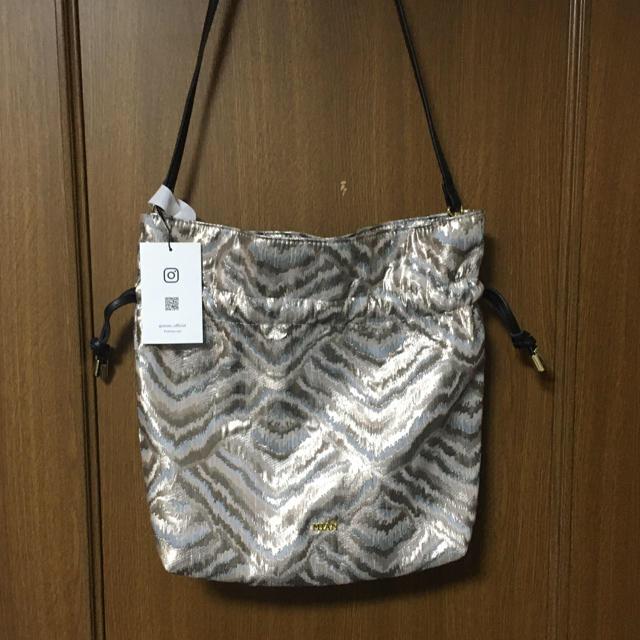 UNITED ARROWS(ユナイテッドアローズ)の【MIAN】メタルゼブラ柄巾着バッグ レディースのバッグ(ショルダーバッグ)の商品写真