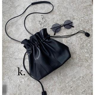 トゥデイフル(TODAYFUL)の巾着ハンドバッグ 2way ショルダーバッグ  レザー調 leather 流行り(ショルダーバッグ)
