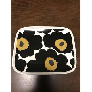 marimekko - マリメッコ 黒ウニッコ 角皿