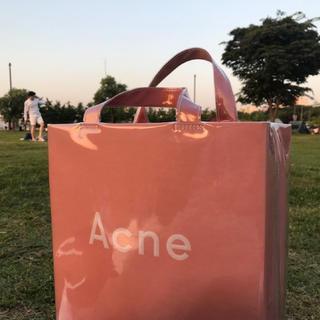 アクネ(ACNE)のacne pvc トートバッグ ビニールバック(トートバッグ)