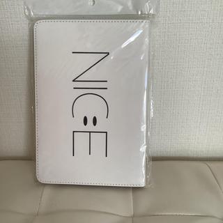 【新品未使用】iPad mini 5 ケース 白 スマイル ニコちゃん(iPadケース)