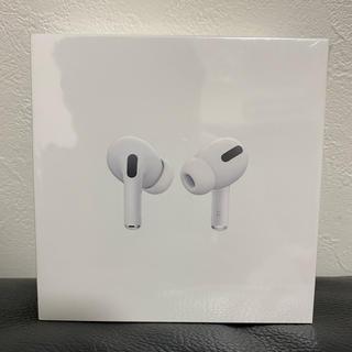 アップル(Apple)の【新品】AirPods pro MWP22J/A (ヘッドフォン/イヤフォン)