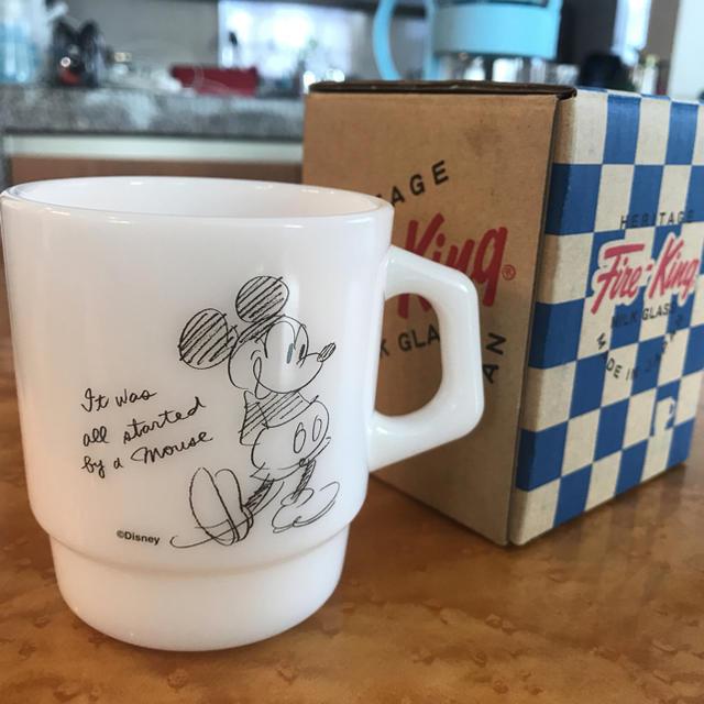 Fire-King(ファイヤーキング)のファイヤーキング ミッキーマウス マグカップ 限定 インテリア/住まい/日用品のキッチン/食器(グラス/カップ)の商品写真