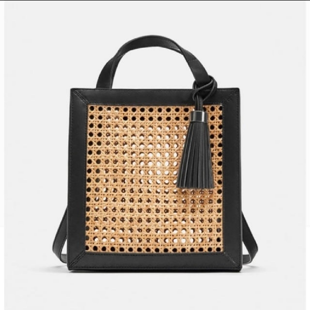ZARA(ザラ)のZARAカゴバック レディースのバッグ(かごバッグ/ストローバッグ)の商品写真