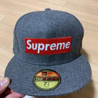 Supreme - supreme ロロピアーナ ニューエラ new era 7 1/2 美品