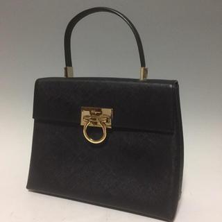 Salvatore Ferragamo - フェラガモ 美品 黒 ガンチーニ 2way ヴィンテージ ハンドバッグ