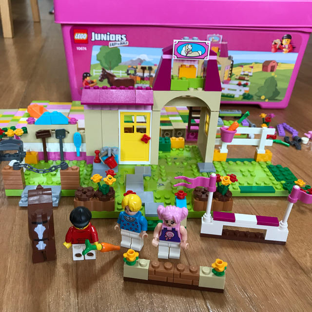 Lego(レゴ)の【ちゅらさん様専用】LEGO Juniors アナと雪の女王&ポニーハウスセット キッズ/ベビー/マタニティのおもちゃ(積み木/ブロック)の商品写真