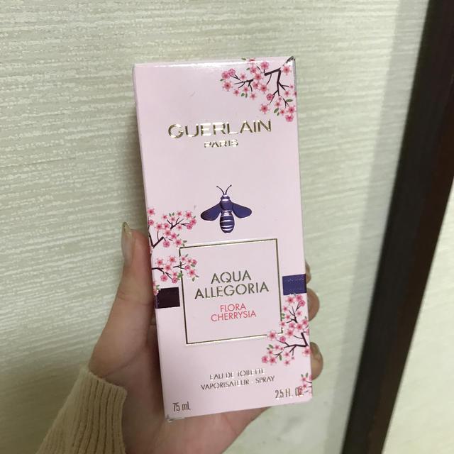 GUERLAIN(ゲラン)のGUERLAIN アクアアレゴリアフローラチェリージア コスメ/美容の香水(香水(女性用))の商品写真