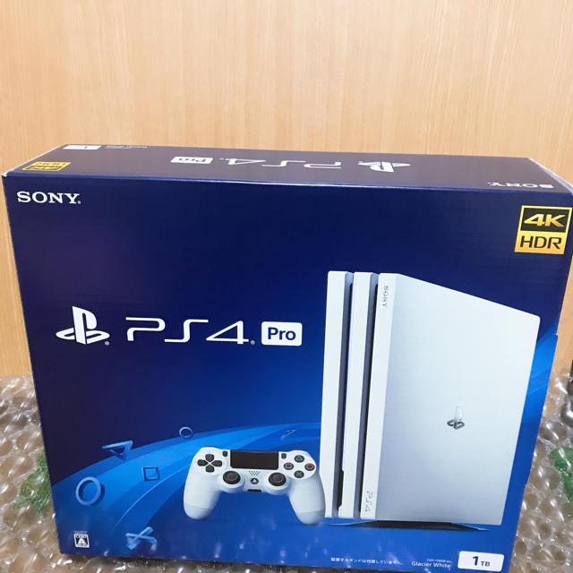 PlayStation4(プレイステーション4)のPS4 Pro 1TB ホワイト本体 CUH-7200BB02 エンタメ/ホビーのゲームソフト/ゲーム機本体(家庭用ゲーム機本体)の商品写真