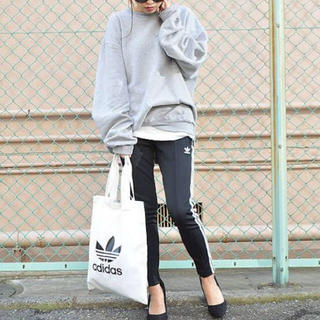 アディダス(adidas)のアディダス トラックパンツ  SST TRACK PANTS(スキニーパンツ)