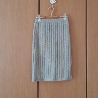 ロキエ(Lochie)のライトグレーのニットタイトスカート(ひざ丈スカート)