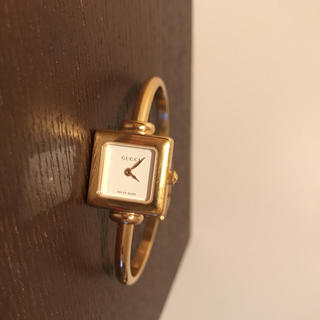 Gucci - GUCCI 腕時計 レディース ゴールド 1900L