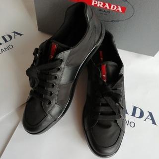 プラダ(PRADA)の正規品 プラダ ナイロンレザー スニーカー 黒 新品、箱付き 赤プレート(スニーカー)