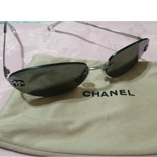 CHANEL - 小顔さん、いかがでしょうか? CHANELのサングラス オマケ付