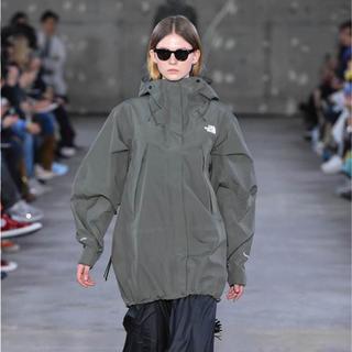 ハイク(HYKE)のThe North Face × hyke ski jacket  sacai(ナイロンジャケット)